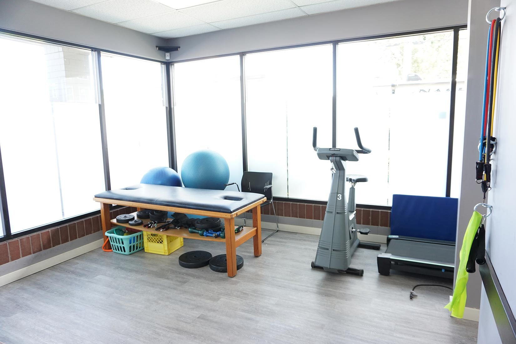 Our physiotherapy clinic have lots of equipment for the best physio treatment